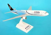 Boeing 767-300 Delta Airlines Habitat For Humanity Skymarks Model Scale 1:150 SKR324 EJ